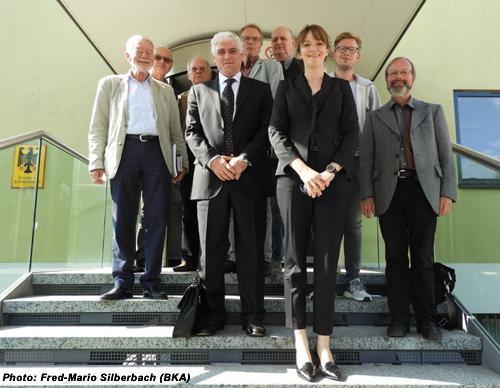 d0d6166bd4619f Bonner Begegnungen  Besuch beim BKA in Wiesbaden - DJV-Bonn - Bonner ...